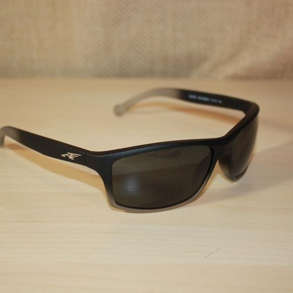 4215c601d07f Arnette Other - Arnette Sunglasses Boiler 4207 2253 87 Fuzzy Black